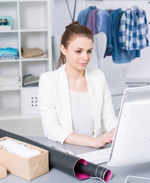 Zarządzanie butkiem odzieżowy – czy powinien posiadać program magazynowy?